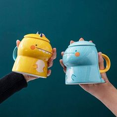 This beautiful Dinosaur Mug will be perfect to drink your coffee early in the morning, very easy to hold and use, it will be perfect for you and your family. #mug #colors #funny #diy #family #drink #ideas #perfect #rarely #beautiful Dinosaur Mug, Dinosaur Games, Fashion Backpack, Drink, Mugs, Coffee, Colors, Funny, Easy