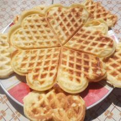 Food N, Food And Drink, Eat Pray Love, Hungarian Recipes, Waffle Iron, Ciabatta, Main Meals, Street Food, Bakery