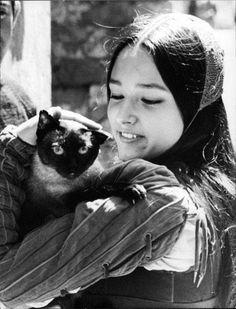 Olivia Hussey 1968                                                                                                                                                                                 Más