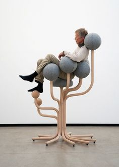 Norwegian designer Peter Opsvik developed the 'Globe Concept' with the aim of making sitting active in both offices and public spaces. One of the most eye-catching pieces in the collection is the 'Globe Garden' chair, which was designed by Opsvik 29 years ago and was recently relaunched by Moment AB. Standing at 1.7 metres high, the chair has a rounded seat and back that allows for more support for the upper body, and is best adapted to function in public spaces. Another interesting piece is…