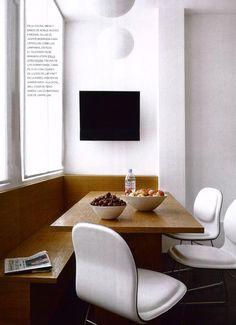 Breakfast nook: CAPPELLINI  Hi Pad chair by Jasper Morrison
