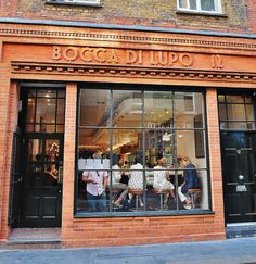 Try the food at Bocca di Lupo Restaurant Concept, Cafe Restaurant, Restaurant Design, Pizzeria Design, Cafe Bistro, Cafe Bar, Dw Shop, London Restaurants, Italian Restaurants
