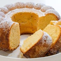 Million Dollar Pound Cake Sponge Recipe, Sponge Cake Recipes, Pound Cake Recipes, Round Cake Pans, Round Cakes, Lemon Meringue Recipe, Million Dollar Pound Cake, German Apple Cake, Cake Mixture
