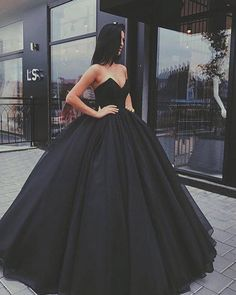 """918 Likes, 18 Comments - Blogger (@stylez.nation) on Instagram: """"Yes or No? @fashionrix Pic: Unknown . . . . . . . . . . . . #wedding #party #weddingparty…"""""""