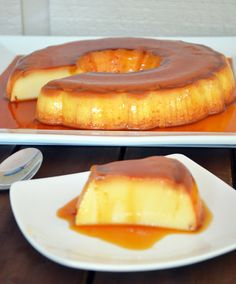 Flan- the Brazilian Classic Recipe Healthy Dessert Recipes, Just Desserts, Mexican Food Recipes, Sweet Recipes, Delicious Recipes, Vegetarian Desserts, Flan Cake, Custard Desserts, Comida Latina
