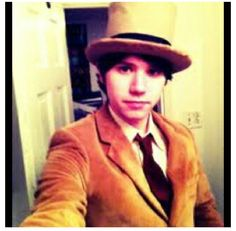 Ryan Ross, looking a lot like a human Bill Cipher if you ask me