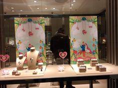 China's spring festival window jewelry display showcase