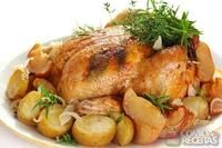 Honey Balsamic Glazed Chicken and Potatoes.A hearty weeknight meal of balsamic glazed chicken and potatoes! Easy Roast Chicken, Roast Chicken Recipes, Turkey Recipes, Dinner Recipes, Drink Recipes, Crock Pot Recipes, Crock Pot Cooking, Fast Recipes, Unique Recipes