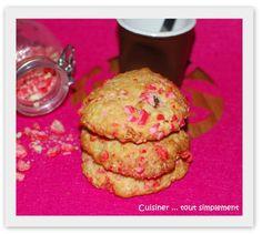 Encore des Cookies ... comme il me restait des pralines , je me suis dit et pourquoi ne pas faire des cookies aux Pralines ... quelle bonne idée, en plus, ils sont très jolis ... Ingrédients ( pour 20 beaux cookies ) 300g de farine 2 oeufs 100g de sucre...