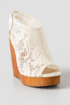 The Lucky Brand, Rezdah Crochet Wedge is a feminine way to wear a covered wedge. This shoe combines a wood like platform wedge with a covered slingback crochet upper and a velcro slingback for easy wear. Pair the Lucky Brand - Imported Dream Shoes, Crazy Shoes, Cute Shoes, Me Too Shoes, Trendy Shoes, Lucky Brand, Prom Heels, Mode Outfits, Fashion Shoes