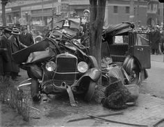 You'll be thanking modern technology after viewing our photo gallery of vintage cars that have been wrecked in auto accidents. The fragile, skeletal frames of early automobiles look like beautifully abstract, crashed masses in these photos (the… Vintage Cars, Vintage Photos, Antique Cars, Vintage Auto, Vintage Ideas, Vintage Stuff, Retro Cars, 1920s Car, 1930s