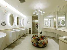 商業施設トイレ - Google 検索