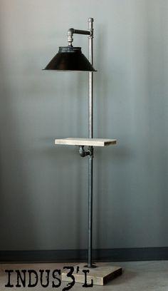 Lampe sur pied sur mesure. Création La Shop de Design https://www.facebook.com/lashopdedesign http://lashopdedesign.com #industrial #industriel #wood #reclaimed #recycled #pipes #metal #furniture #lighting #floorlamp #lamp #livingroom #lashopdedesign #ladesignshop #designerpourvrai