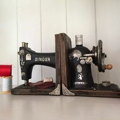 Vintage Singer Sewing Machine Shelf Tidy Book Ends – Heavy Storage Retro Hipster for sale online Old Sewing Machine Table, Sewing Machine Drawers, Sewing Machine Parts, Treadle Sewing Machines, Antique Sewing Machines, Vintage Sewing Rooms, Singer Sewing Machines, Featherweight Sewing Machine, Sewing Spaces
