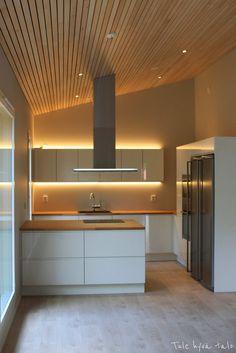 Tule hyvä talo Decor, Furniture, Bathroom Lighting, Lighted Bathroom Mirror, Home Decor, Bathroom Mirror, Bathroom, Inspiration, Mirror