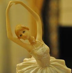 Decorative Lovely Ballerina Resin Figurine