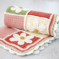 This Daisy Afghan is the perfect Spring crochet project! Free pattern and detailed tutorials!