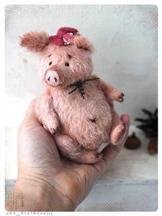 Pig Fendy By Anna Bratkova - Bear Pile