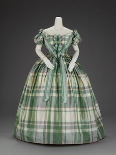 Circa 1859-1860 Evening Dress made of Silk Plain Weave Taffeta with Warp-and-Weft Float Patterning, American. Via The Museum of Fine Arts, Boston.