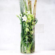 Hogyan lehet elvágni egy üveget különleges eszközök nélkül? Mióta ezt tudom, nem dobom ki az üvegeket! - Finom ételek, olcsó receptek Glass Vase, Neon, Home Decor, Flowers, Hannover, Alcohol, Dekoration, Decoration Home, Room Decor