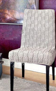 Одеваем мебель. Чехлы для стульев спицами