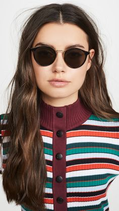 Flattering Sunglasses For Square Face Shapes Oval Faces, Square Faces, Le Specs Sunglasses, Sunglasses Women, China Fashion, Fashion Face, Square Face Glasses, Striped Turtleneck, Face Shapes