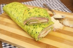 The zucchini roll is a simple, but tasty meal. The omelette in the oven will be much lighter, and you may decide to stuff the roll the way you like. In the summer it is also perfect in its cold version with cheese and ham! INGREDIENTS 4 eggs 2 zucchini 50g of parmesan salt pepper 200g of cooked ham smoked cheese  PREPARATION  Whisk together the eggs, the salt, the pepper and the Parmesan. Add grated zucchini and combine the mixture well. Pour the mixture into a baking pan and bake for 20-25…