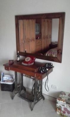 Máquina antigua Liquor Cabinet, Storage, Furniture, Home Decor, Antigua, Purse Storage, Decoration Home, Room Decor, House Bar