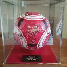 Arsenal Team Signed Football From Their 2014-2015 Campaign - See more at: http://www.kcsportsevents.com/product/arsenal-team-signed-football-memorabilia-uk#sthash.St2FJh5L.dpuf