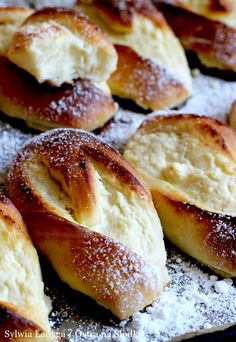 Sweet Buns, Polish Recipes, Pretzel Bites, Doughnut, Food And Drink, Favorite Recipes, Sweets, Bread, Baking