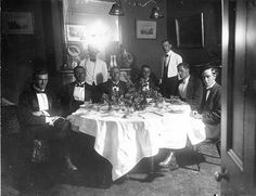 Men dining at the South Australian Hotel, Adelaide, 1914