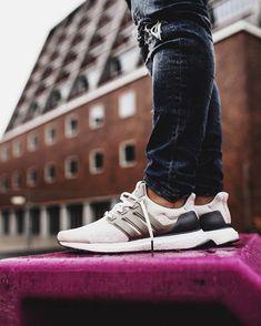 Der adidas Ultra Boost Lux kommt in 15 min. War eigentlich als Collabo gedacht...  #adidas #ultraboost #boost #adidasoriginals #TagsForLikes #photooftheday #fashion #style #stylish #ootd #outfitoftheday #lookoftheday #fashiongram #shoes #shoe #kicks #sneakerheads #solecollector #soleonfire #nicekicks