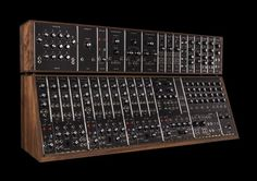 Moog is making 25 more legendary Synthesizer IIIc units