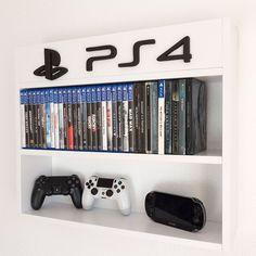 Una de nuestras primeras creaciones, una estantería para juegos sencilla y práctica que dispone de capacidad para 74 juegos...