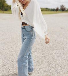 "316 Likes, 1 Comments - UO Dallas (@uodallas) on Instagram: ""Back in stock: The Carla Dolman top✨| SKU #42471649 #UOonYou #UODenim #UODallas #UrbanOutfitters"""