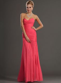 Affordable Sheath/Column Strapless Sweetheart Ruched Split-Front Long Evening Dress
