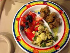 Fiber Muffin, Scrambled eggs with green pepper and mushroom, Strawberries/Blueberries