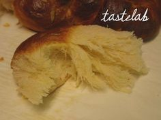 ΤΑ ΚΑΛΥΤΕΡΑ ΤΣΟΥΡΕΚΙΑ | tasteLAB Greek Easter Bread, Greek Bread, Greek Cake, Cookbook Recipes, Sweets Recipes, Easter Recipes, Cooking Recipes, Greek Sweets, Greek Desserts