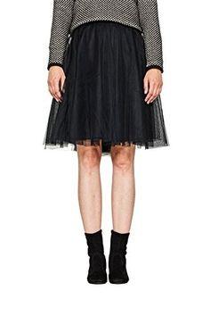 Falda negra #faldas #moda #mujer #outfits #faldanegra #faldasinvierno #style #shopping #fashion #modafemenina
