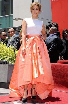 Лучшие платья Дженнифер Лопес, самые красивые наряды, фото образы звезды