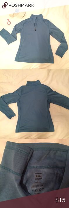 REI lightweight pullover jacket Ideal for throwing over a tshirt on a walk/hike, or just a run to the store/coffee shop. Great condition, maybe worn 10 times. Is slightly loose but fitted enough to see my shape (I'm size 6/M at J Crew). Machine wash. Will be freshly laundered & steamed before mailing to you 😊 REI Tops Sweatshirts & Hoodies