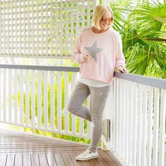 Today's #everydaystyle ... casual Friday here today and much ticking off the pre-holiday work checklist. Happy weekend to you all. Comfort plus in these pieces (gifted) from @marksandspencerau  Also wearing: @frankie4footwear NAT sneakers; Michael Kors sunglasses.