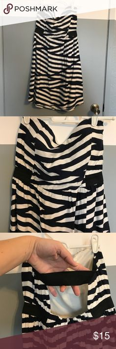 Foreign Exchange dress Foreign Exchange dress size M color is navy/white , worn twice Foreign Exchange Dresses Strapless