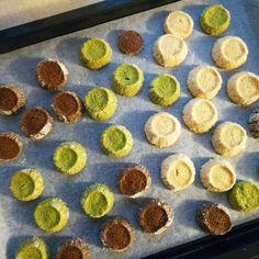 gemomogeのディアマンクッキー3 Cookies, Food, Decor, Crack Crackers, Decoration, Biscuits, Essen, Meals, Cookie Recipes