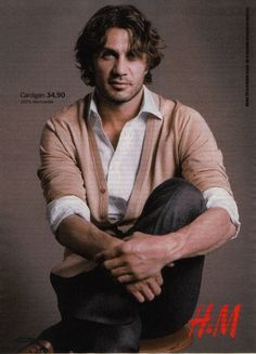 Paolo Maldini, Football Players, Milan, Soccer, Sport, Fictional Characters, Soccer Players, Futbol, Deporte