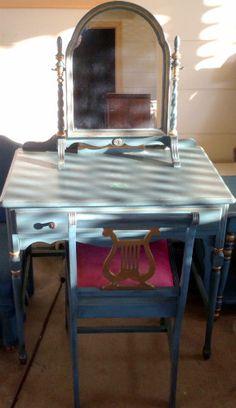 Douglas Furniture Corporation Los Angeles Chicago Vintage Chair