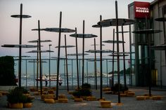 Sky Spotting Stop, Istanbul Modern, Istanbul. Moves along with the waves of the sea.