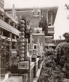 Interlude – Frank Lloyd Wright's Imperial Hotel – Paradise Leased Frank Lloyd Wright Buildings, Frank Lloyd Wright Homes, Historical Architecture, Landscape Architecture, Imperial Hotel, Usonian, Steel House, Brutalist, Built Environment