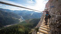 VIA FERRATA, GYILKOS-TÓ  Székelyföld természeti kincsei, a Kárpátok látványos zordsága közismert, az már kevésbé, hogy a szédítő sziklafalakat immár itt is via ferrata-útvonal szelídíti. A Gyilkos-tónál található vasalt úton az 1344 méter magas Kis-Cohárdra lehet feljutni 2016 óta, útba ejtve egy 160 méter mély szakadék fölött átívelő kötélhidat… Ehhez a képhez nem is szükséges kommentár… Eminem, Mount Everest, Marvel, Mountains, Nature, Bridges, Athlete, Naturaleza, Nature Illustration