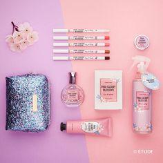 . Pink Cherry Blossom is all around and Joy comes together . 봄 바람 맞으며 벚꽃 향 가득한  거리를 걸어요 . #신상품#핑크체리블라썸#벚꽃 #향수 #퍼퓸 #파우치 #NewArrival #Pinkcherryblossom #Perfume #Pouch #etude #etudehouse#SweetEtude#에뛰드#에뛰드하우스#에뛰드그램#伊蒂之屋#エチュードハウス